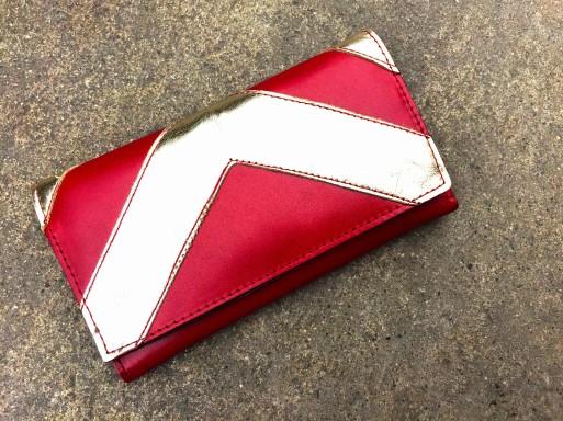 Billetera de cuero roja y dorada PLUM - Lucia (1)