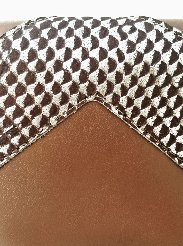 Billetera de cuero beige PLUM - Lucia  (1)