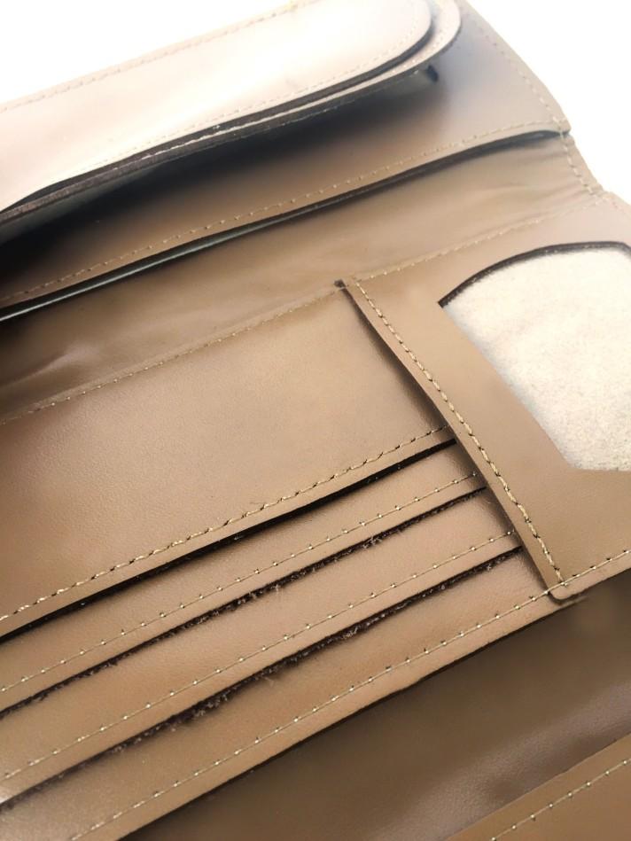 Billetera de cuero beige PLUM - Lucia  (10)