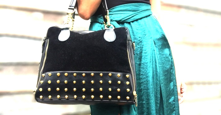 cartera negra andressa long post con falta verde 1