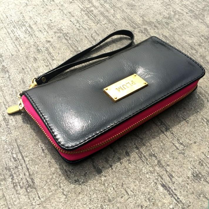 billetera de cuero para mujer - plum - modelo miranda charol daylight.JPG