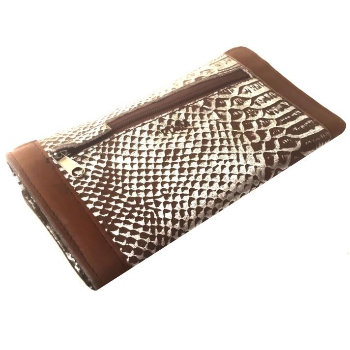 billetera de cuero plateada y animal print PLUM - Kate (2)